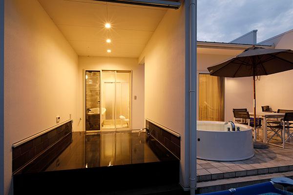 プレジデンシャルV.I.Pスイートプール&スパの露天風呂